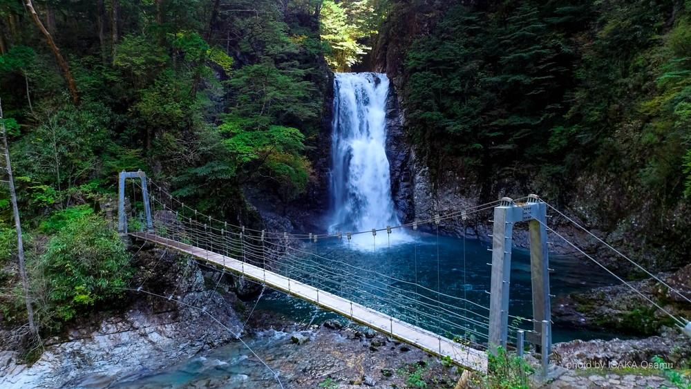 堂倉滝吊橋と堂倉滝