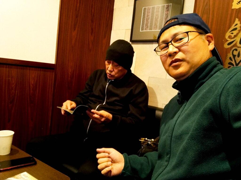 安達尊カメラマンとドローンおヤじ井坂治